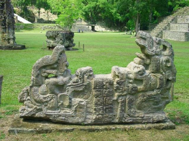 copan-ruins-reliefs-statues-ancient-mayan-site-in-honduras